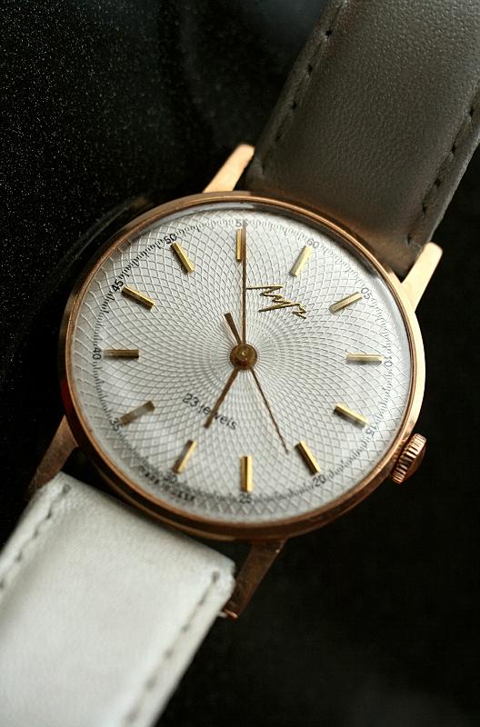 Les montres soviétiques en or  Post-29552-0-37469900-1331808852