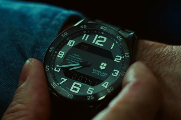 Jake-Gyllenhaal-Watch-In-Source-Code-Mov
