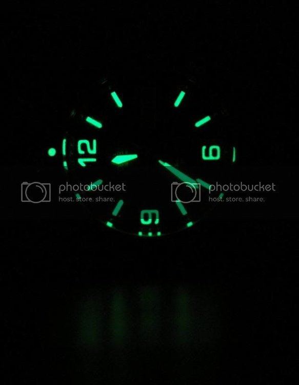 Orient_Black_Mako_glow1.jpg