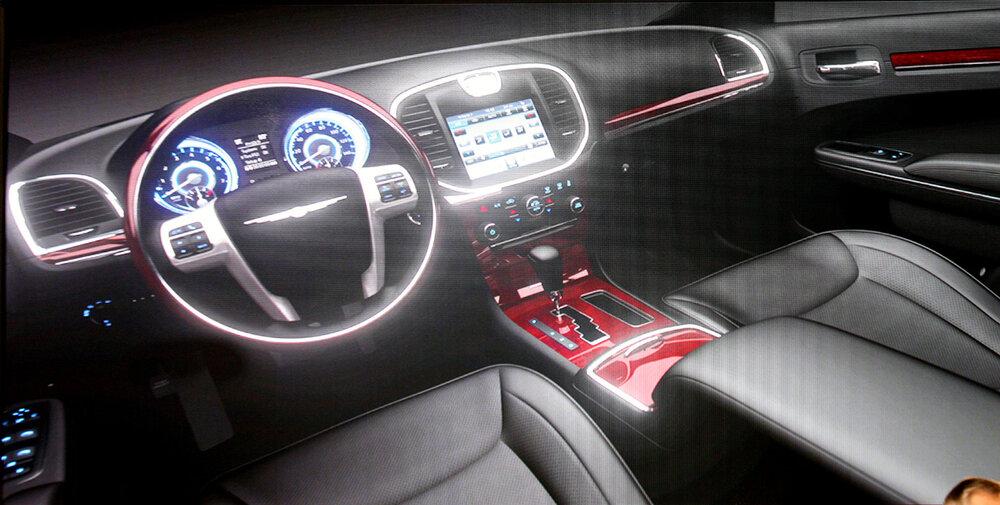 interior-del-nuevo-chrysler-300c-0409-00.jpg