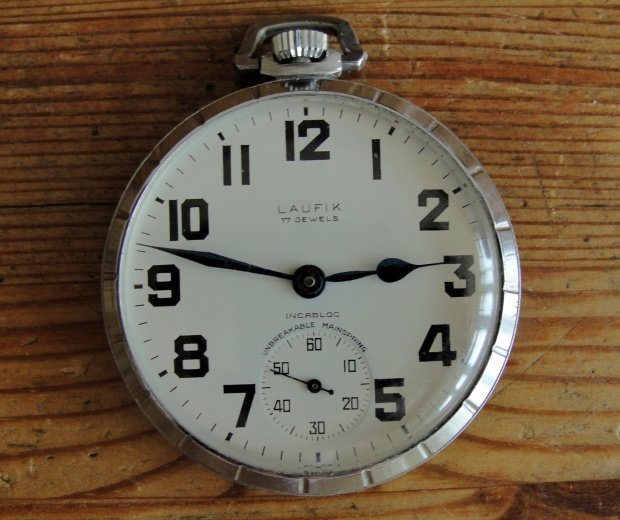 L'histoire des montres de chemins de fers - Page 7 4cdad923f15aa62dgen