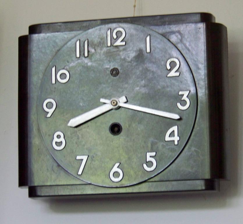 Metron - Zegary z regulatorem wahadłowym i balansowym