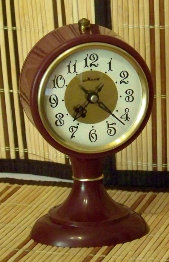 Majak, CЧЗ  -   Zegary z regulatorem wahadłowym i balansowym