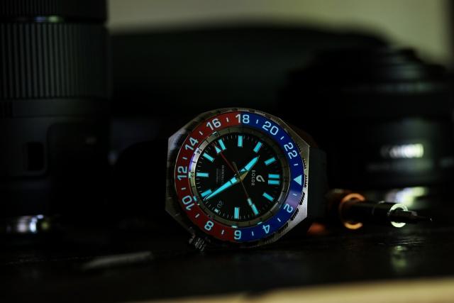 BOLDR Globetrotter GMT Blue & Red