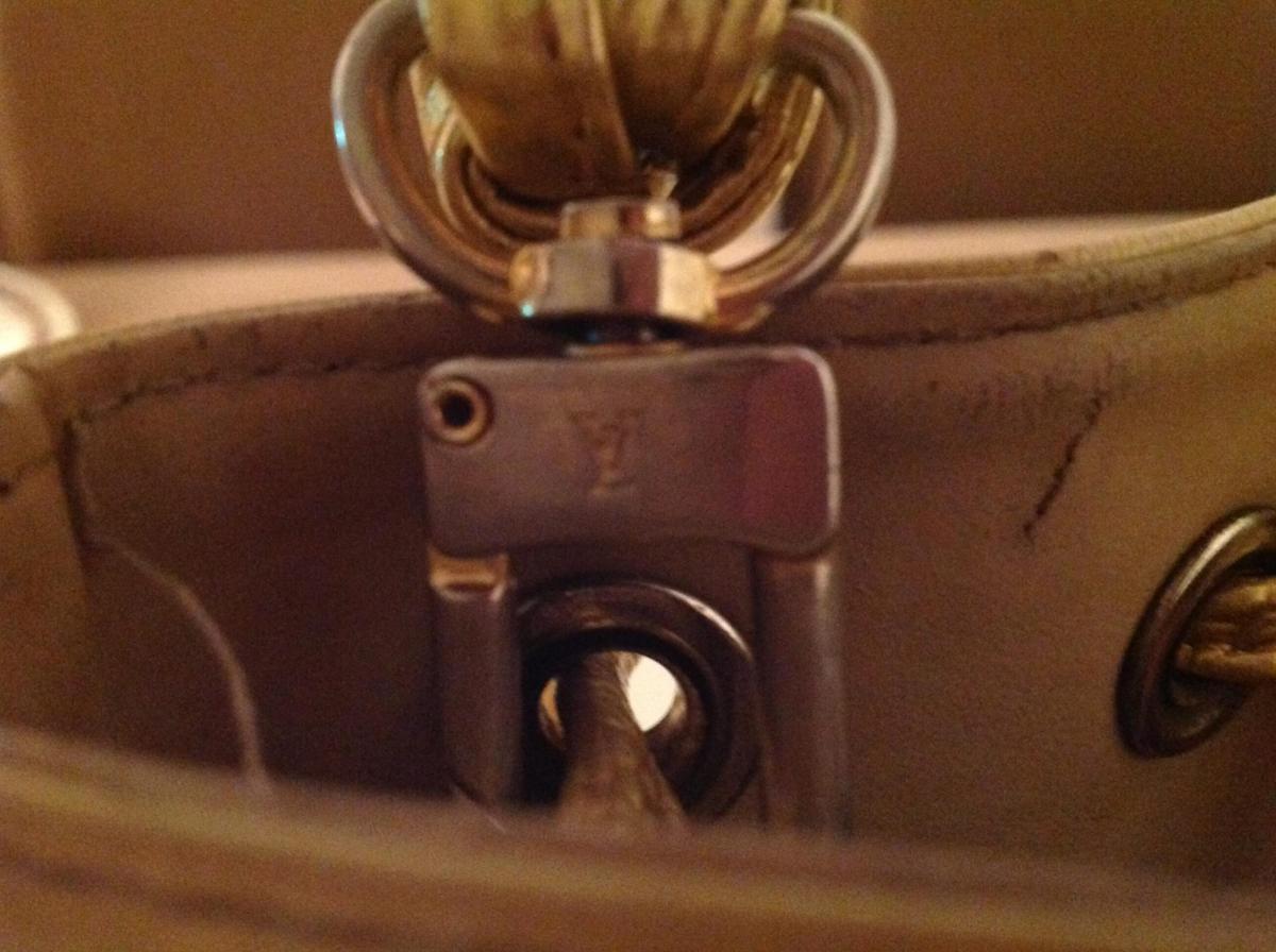 40f785cef9b06 Outlet Louis Vuitton - PO GODZINACH - Klub Miłośników Zegarów i Zegarków