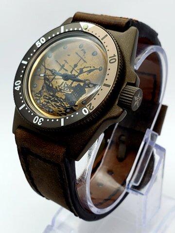 Santa Maria - engraved dial